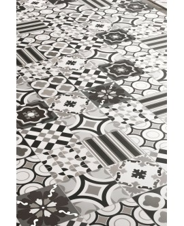 Carrelage patchwork black and white imitation carreau ciment 20x20cm rectifié en crédence, R10