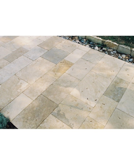 pierre du limeyrat en bandes, largeur 40,50 et 60cm longueur libre ,ocre et beige et gris finition vieillie , chants taillés
