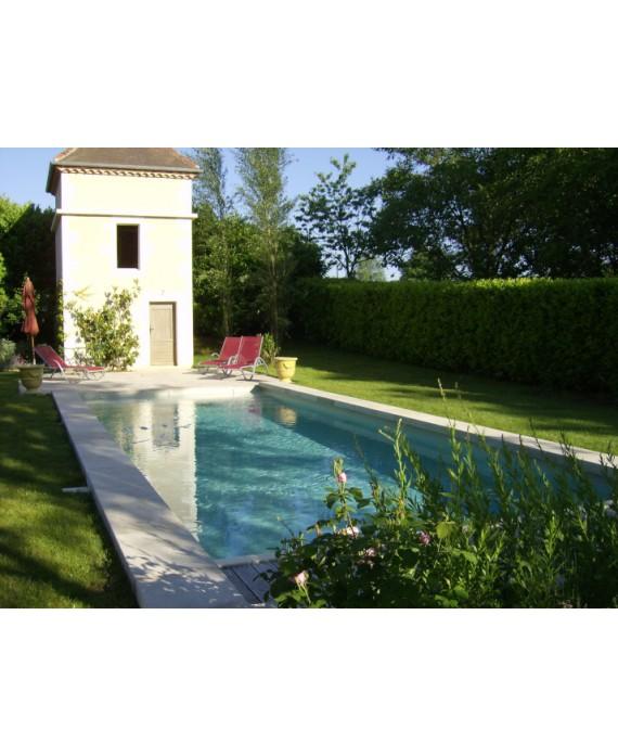 Margelle piscine, bord droit, pierre du limeyrat grise épaisseur 8cm longueur libre