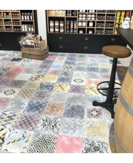 Carrelage D patchwork diperseo effet carreau de ciment vieilli coloré 25x25cm dans la cuisine