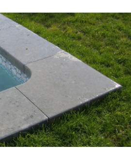 Margelle pierre du limeyrat d'angle pour margelle grise épaisseur 5cm