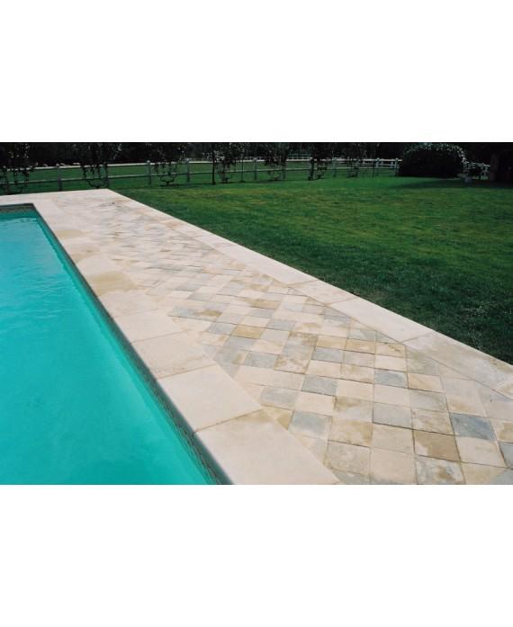 Margelle piscine bord droit pierre du limeyrat grise épaisseur 3cm, longueur libre.