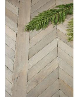 Parquet ancien vieilli chêne français massif fougères baton rompu , vieux gris, ép : 14 mm , largeur 80 mm