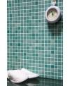 Emaux de verre vert clair nuancé salle de bain mosaique piscine mosbr-3001 2.5x2.5x0.4cm sur trame.