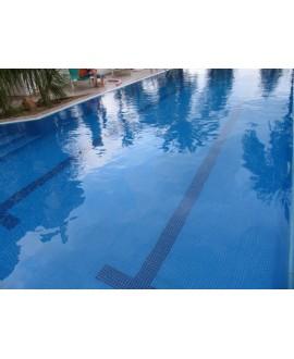 Emaux de verre bleu celeste piscine mosaique salle de bain mosmc-201 2.5x2.5 cm sur trame.