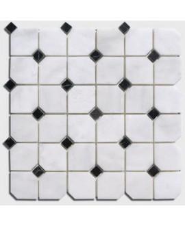 mosaique octogone marbre blanc avec cabochon noir sur trame 30.5x30.5x1cm