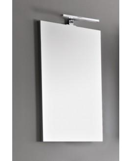 Miroir rectangulaire avec lampe led fixée au dessus scar