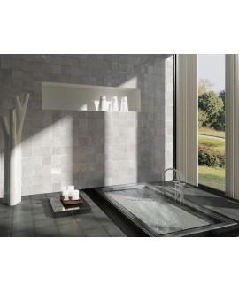 Carrelage Effet Zellige A gris brillant 13.2x13.2cm dans la salle de bains