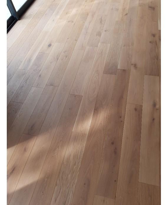 Plancher chêne massif parquet bois huilé aspect bois non traité , largeur 120 mm , vienna L aspect bois brut