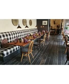 Carrelage effet plancher en bois peint en noir, sol et mur, restaurant, 15x120cm rectifié, santablend noir