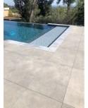 Pierre et carrelage terrasse de piscine